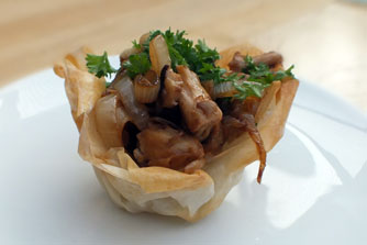 vegan-mushrooms-in-filo-baskets - vegetarian vegan recipe